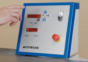 Hofmann_AHW_Bedienpult_LED